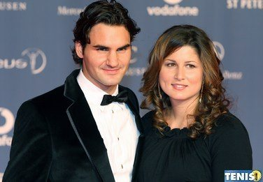 Roger Federer z żoną wsparli narażonych na zarażenie COVID-19