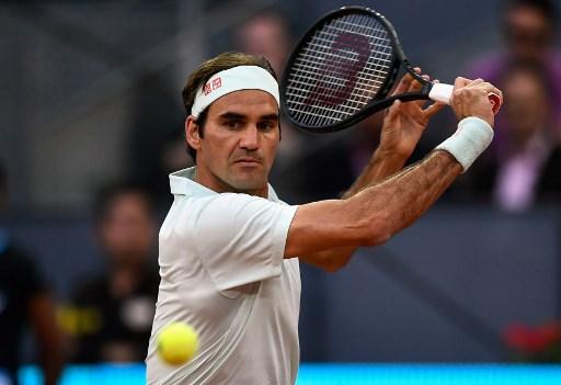 Madryt. Jubileuszowe zwycięstwo Federera, faworyci trzymają się mocno