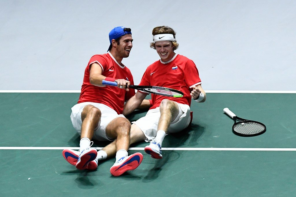 Puchar Davisa. Rosjanie obronili trzy piłki meczowe i pokonali faworytów