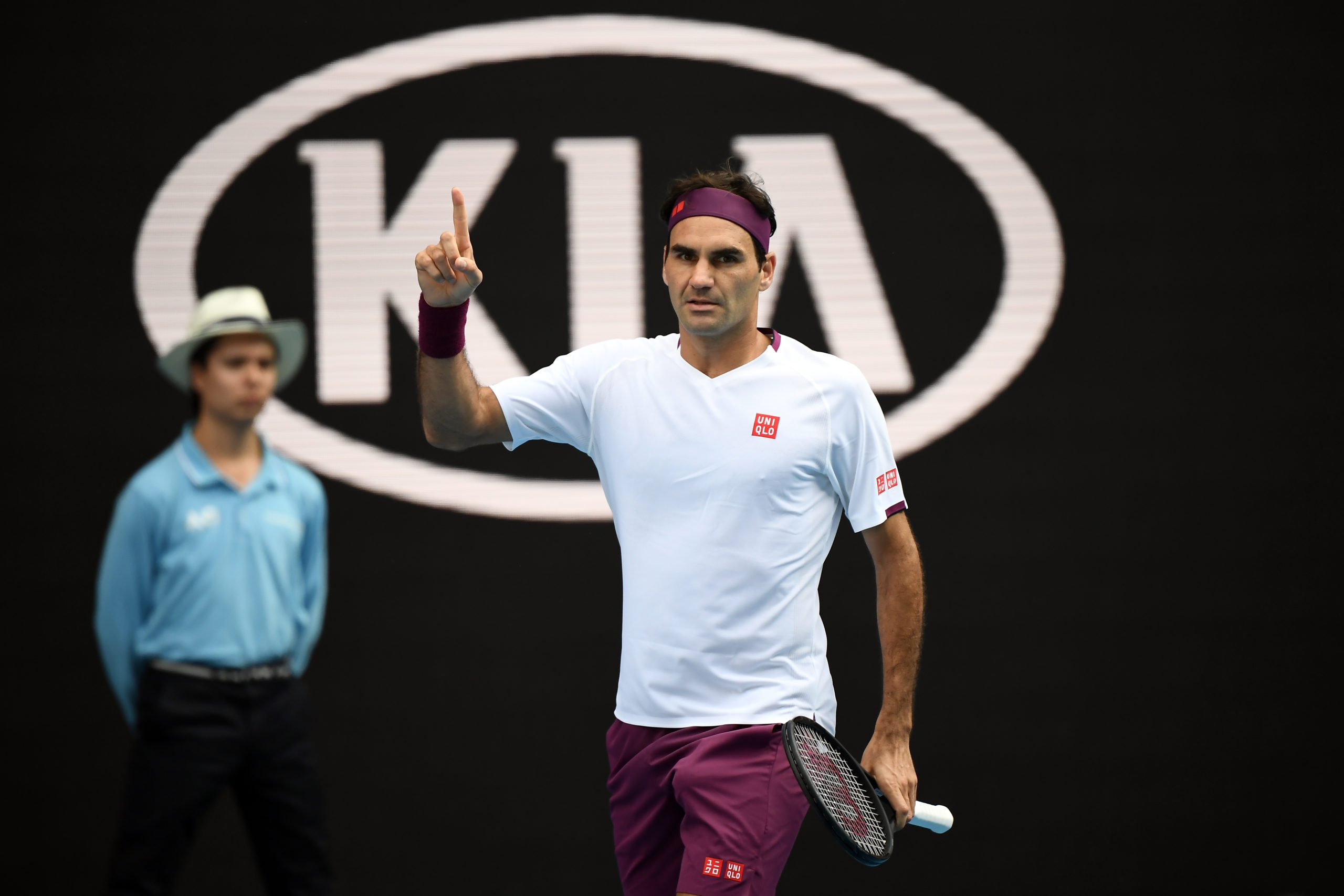 Mimo roku bez gry Federer utrzyma się w czołowej dziesiątce