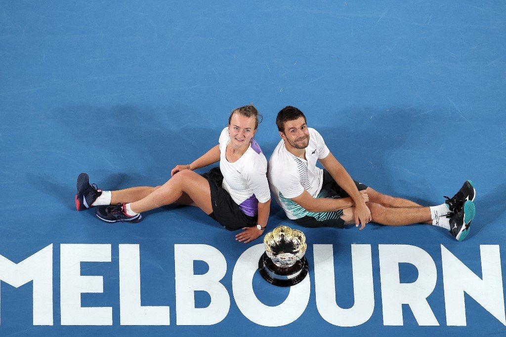Australian Open. Partner inny, wynik ten sam