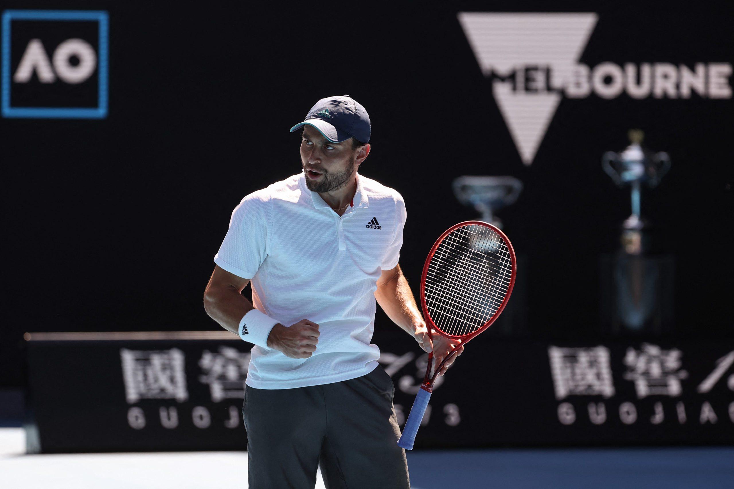 Australian Open. Sen Karacewa trwa. Rosjanin w półfinale